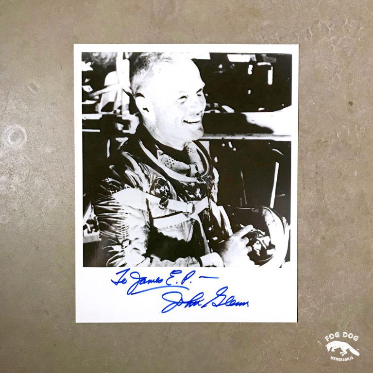 Autogram / John Glenn - 1. Američan na oběžné dráze Země