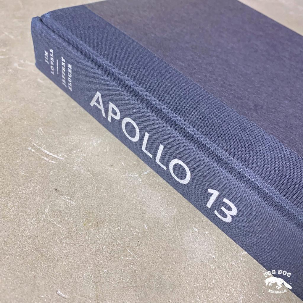 Autogram v knize / Jim Lovell - kapitán poškozeného Apolla 13