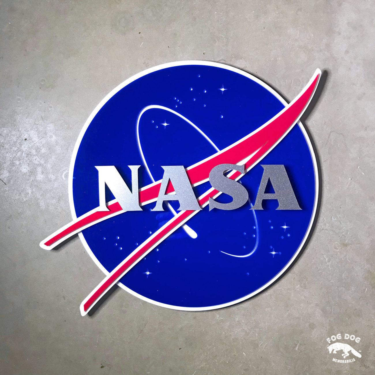 3D plexi cedule NASA na stěnu, velká 37 x 37 cm.