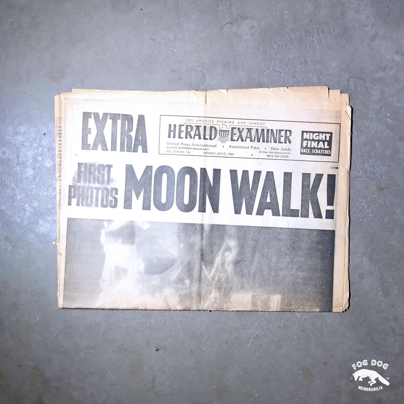 Vydání novin z 21.7.1969 - MOON WALK!