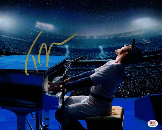Taron Egerton jako Elton John - autogram
