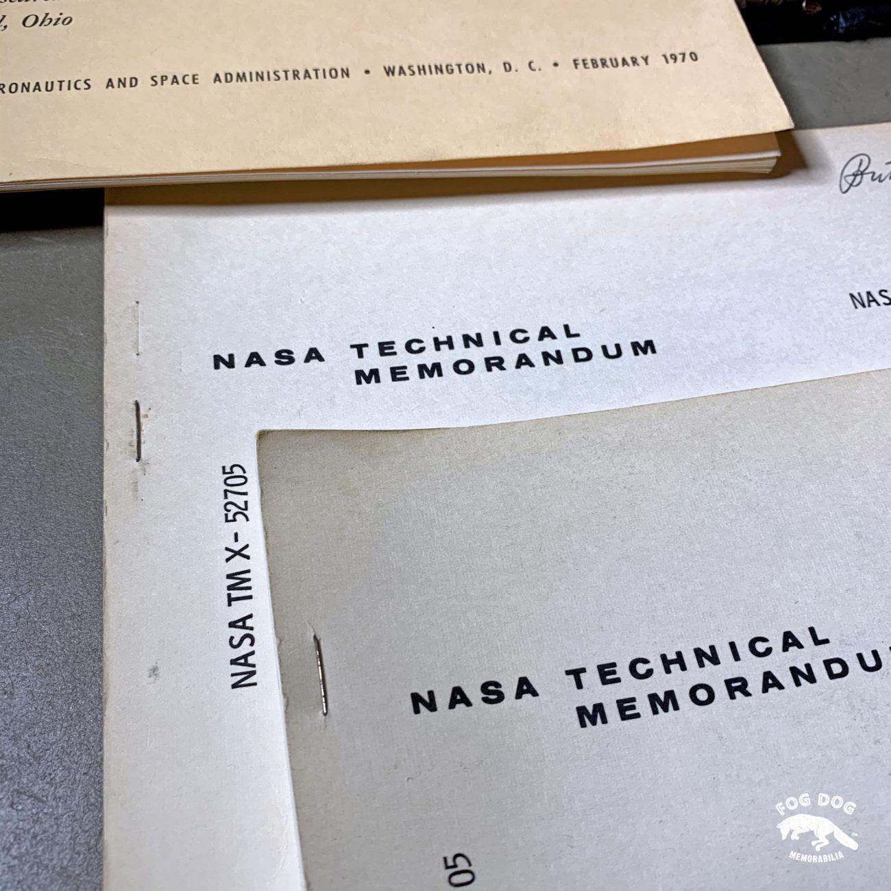 Soukromá kolekce NASA manuálů a leteckých materiálů z 80 let. Část 1.