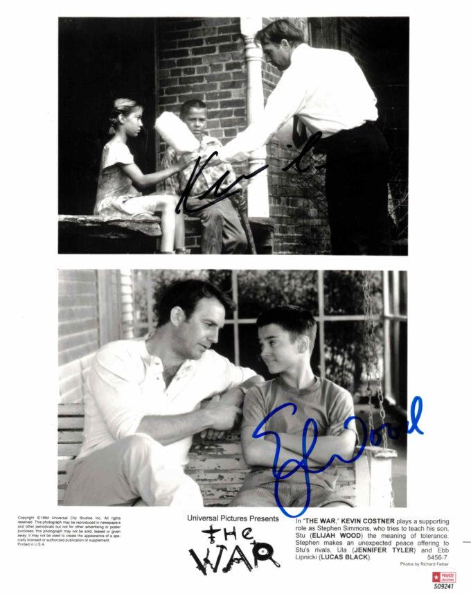 Kevin Costner & Elijah Wood - autogram